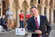 """El presidente García-Page anuncia un """"macro"""" proyecto de iluminación en la Plaza Mayor de Sigüenza"""