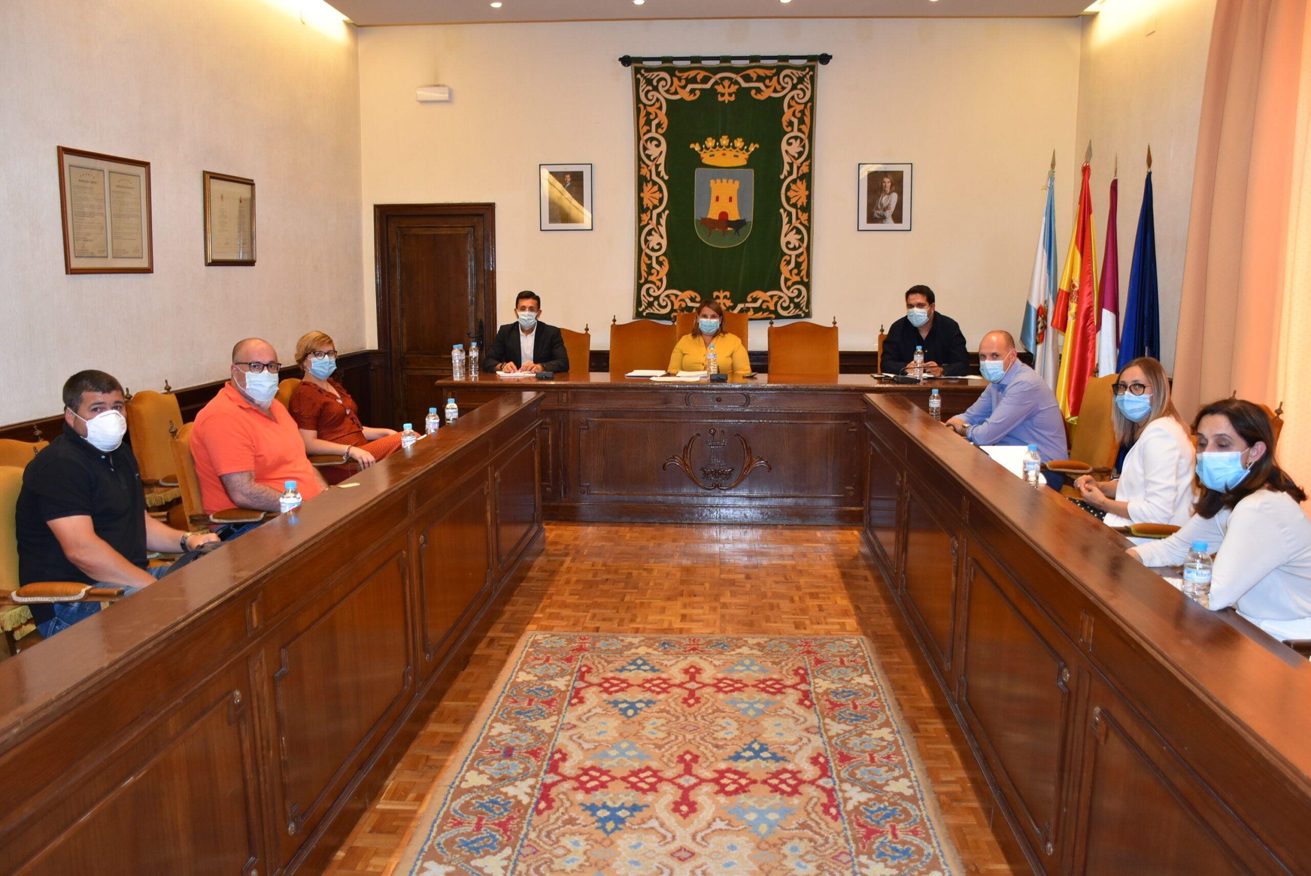Ayuntamiento de Talavera de la Reina, Junta y Plataforma de Afectados por el Transporte remitirán una carta conjunta al Ministerio para trasladar sus reivindicaciones