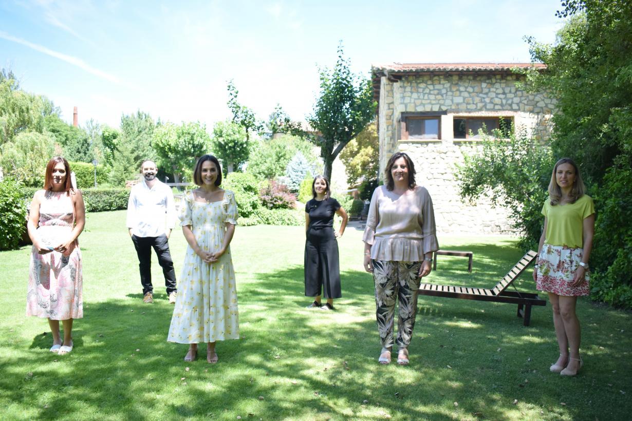Tamara Falcó promociona la oferta turística de Castilla-La Mancha a través de un viaje para descubrir algunos de sus rincones más emblemáticos