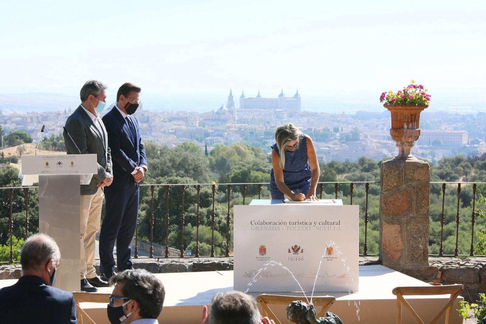 """Tolón: """"Con este acuerdo las tres ciudades afrontamos la revitalización del sector turístico con determinación y confianza"""""""