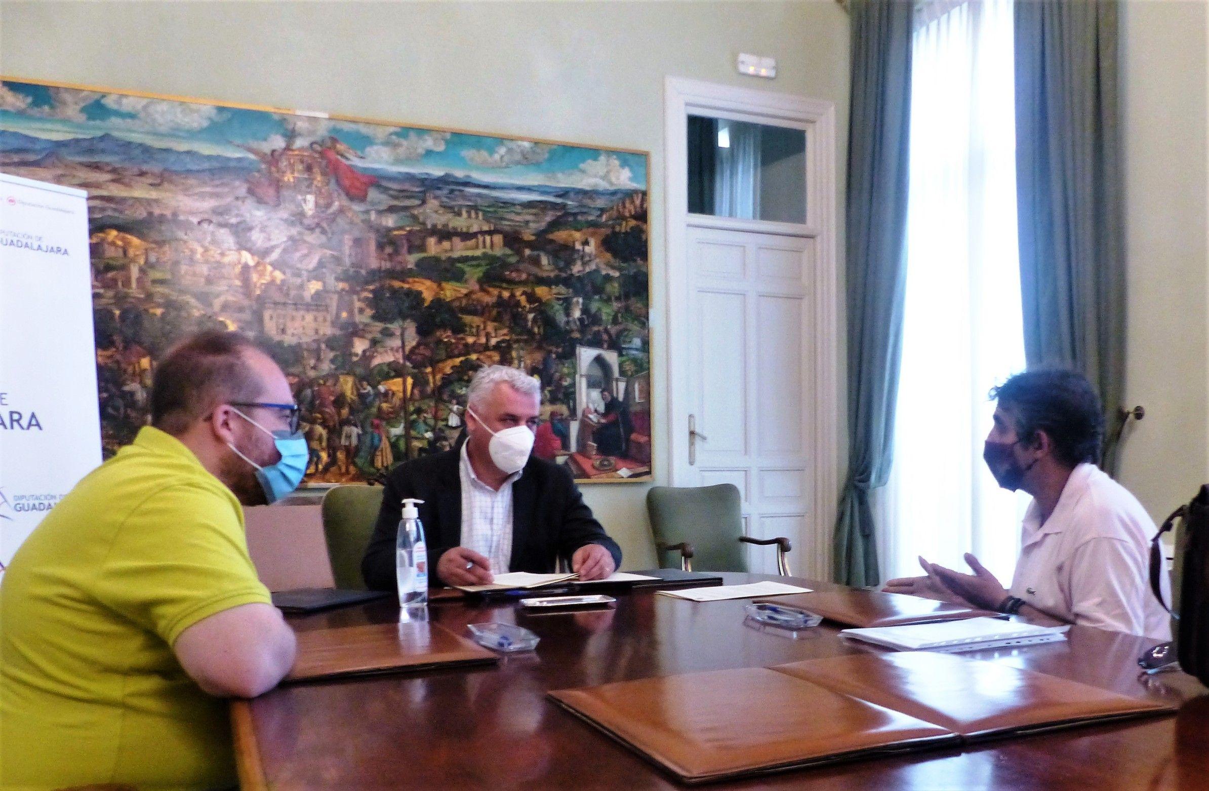 La Diputación apoya a los artesanos de Guadalajara para organizar ferias cuando el COVID lo permita