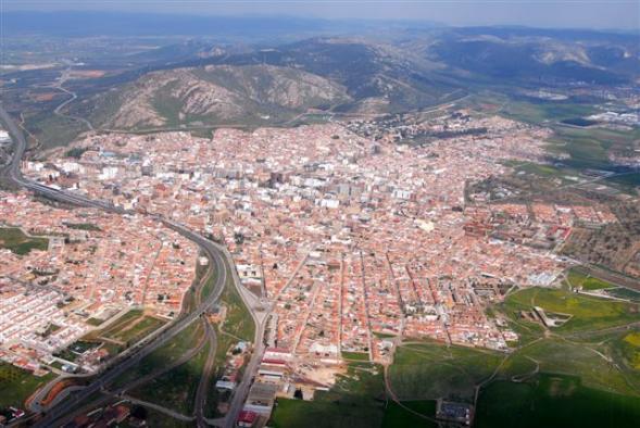 El Gobierno de Castilla-La Mancha informa que la calidad del aire en Puertollano está dentro de los parámetros permitidos que marca la normativa tras el incendio en la refinería de Repsol