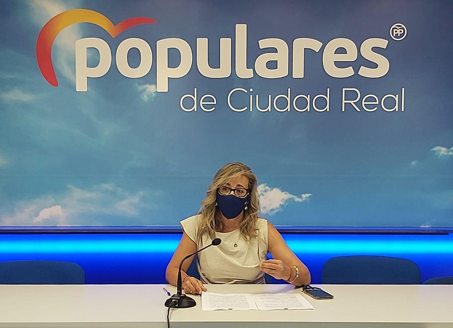 La portavoz del PP en las Cortes de CLM, Lola Merino exige a Page que abandone su arrogancia y centre su política en el dialogo