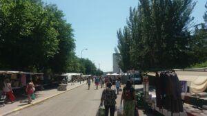 El Ayuntamiento reduce los puestos del mercadillo al 50 por ciento para adaptarse al aforo marcado por el nuevo decreto anti Covid desde este miércoles