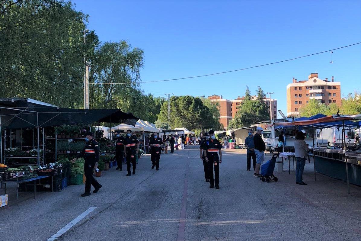 El Ayuntamiento de Cuenca reduce el número de puestos del mercadillo para adaptarse a la nueva normativa sanitaria