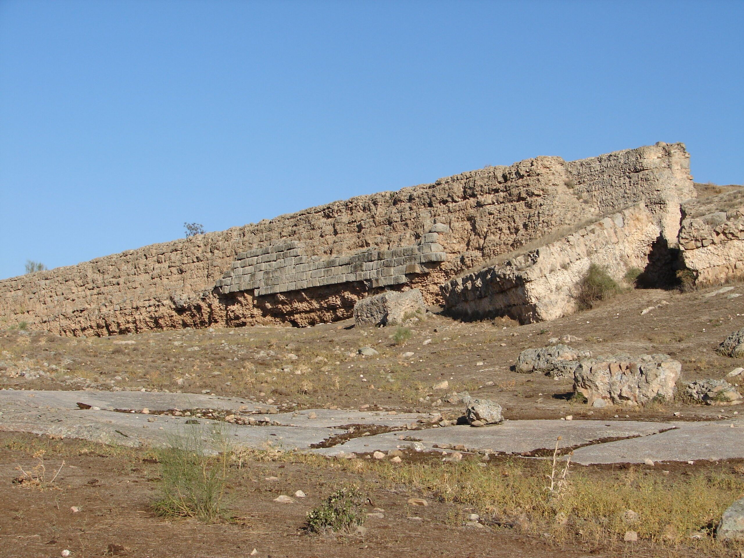 El Gobierno regional declara la presa romana de La Alcantarilla, ubicada en Mazarambroz (Toledo), como BIC con categoría de Monumento