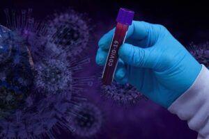 Sanidad notifica 3.781 positivos por coronavirus en 24 horas, la cifra más alta desde abril