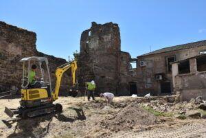 El Ayuntamiento inicia los trabajos arqueológicos para la rehabilitación del tramo de muralla de El Charcón