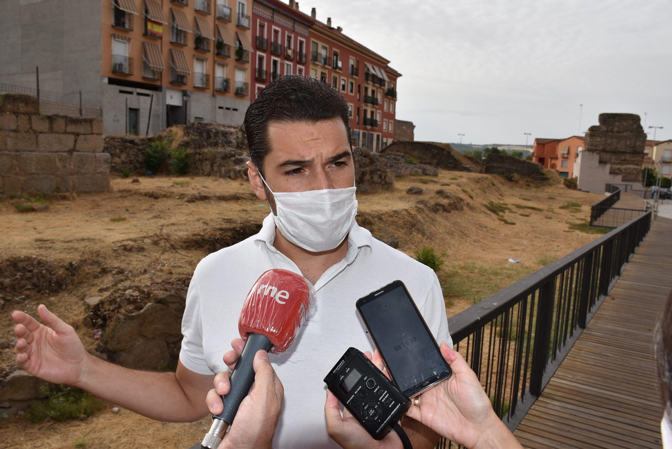 El equipo de Gobierno retoma las intervenciones arqueológicas en el yacimiento urbano de Entretorres después de dos mandatos de vacío del PP