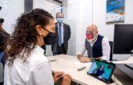 Castilla-La Mancha se convierte en la primera Comunidad Autónoma con Oficinas de Información y Registro plenamente accesibles para personas con discapacidad auditiva