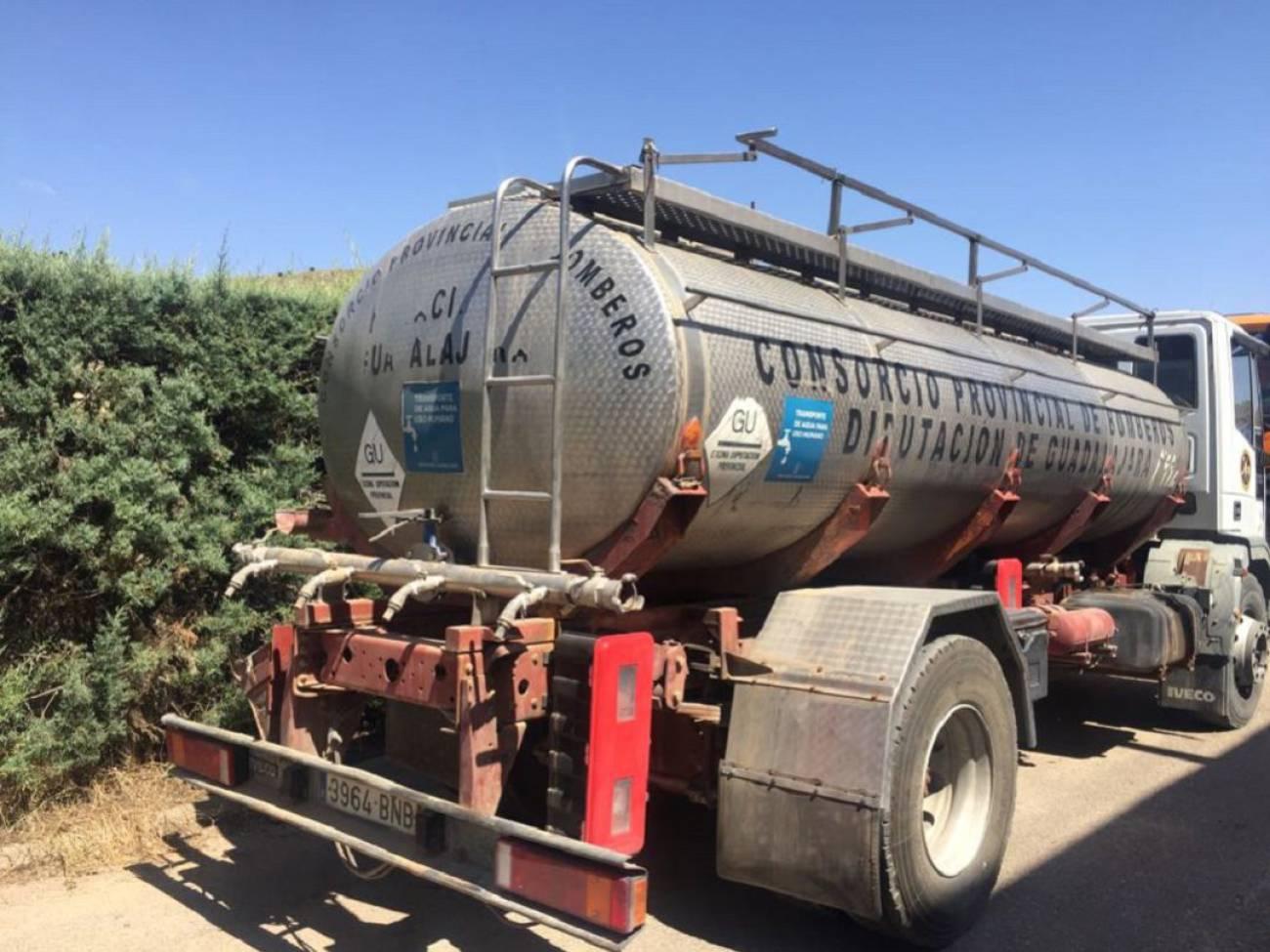 Se reduce en un 35% la demanda de cisternas de agua por sequía este verano