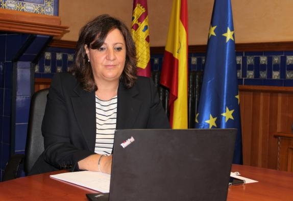El Gobierno de Castilla-La Mancha destaca el potencial innovador de la industria farmacéutica y su papel esencial en la lucha contra el COVID-19