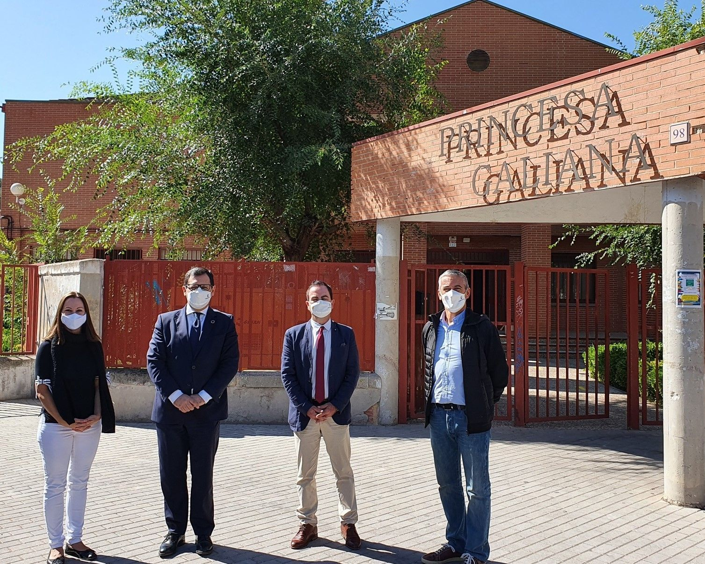 El Gobierno regional ha destinado 699.465 euros a 40 actuaciones RAM y hay 73 profesores más que el pasado curso en los centros educativos de la ciudad de Toledo