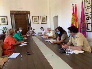 La Junta de Gobierno aprueba el convenio con el Círculo de Arte y da luz verde al cambio de horario y refuerzo de los autobuses