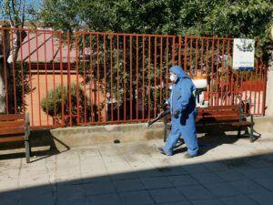 El Ayuntamiento amplia la desinfección con solución clorada a los accesos de los centros educativos de toda la ciudad