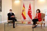 Sánchez y Ayuso acuerdan crear un grupo de trabajo conjunto para responder a los rebrotes