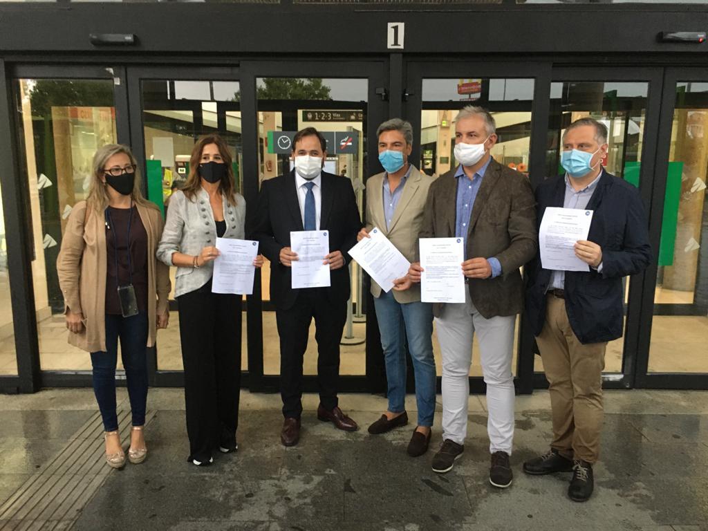 Rosa Romero reclama al Gobierno de España que se recupere el 100% de las frecuencias de los trenes en Ciudad Real y no se ponga en peligro la salud de los usuarios
