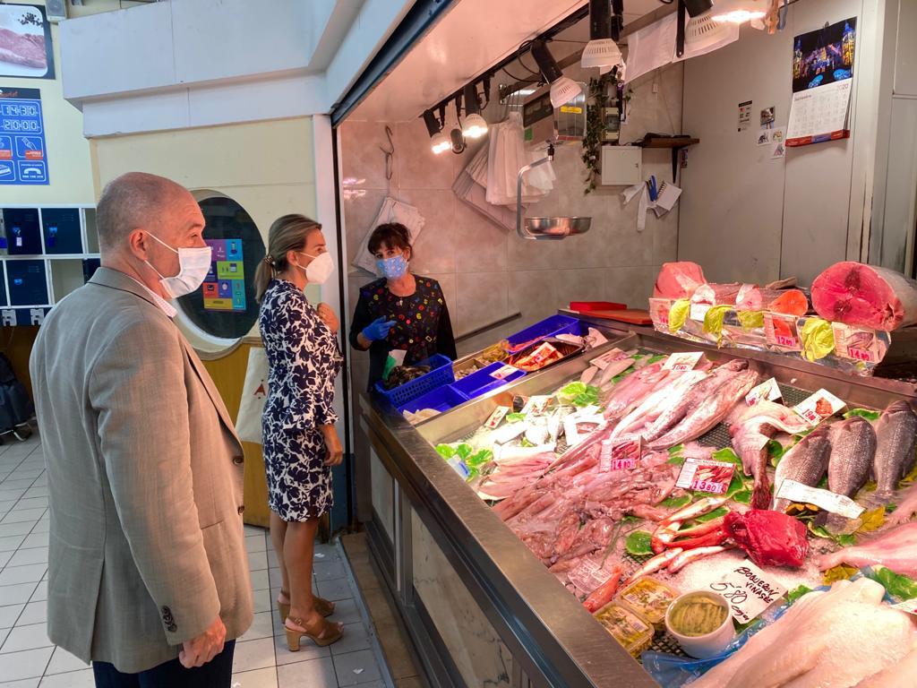 Tolón visita un nuevo local de gastronomía en el Casco Histórico que contribuye a la reactivación y creación de empleo