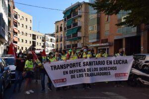 Trabajadores del transporte sanitario se concentran ante el SESCAM para instar a la Administración a cumplir sus compromisos en la solución del conflicto laboral