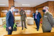 El delegado del Gobierno en Castilla-La Mancha recibe al nuevo delegado de Defensa en la región