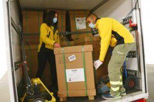 El Gobierno de Castilla-La Mancha ha distribuido esta semana cerca de un centenar de equipos de ventilación mecánica en los centros hospitalarios de la región