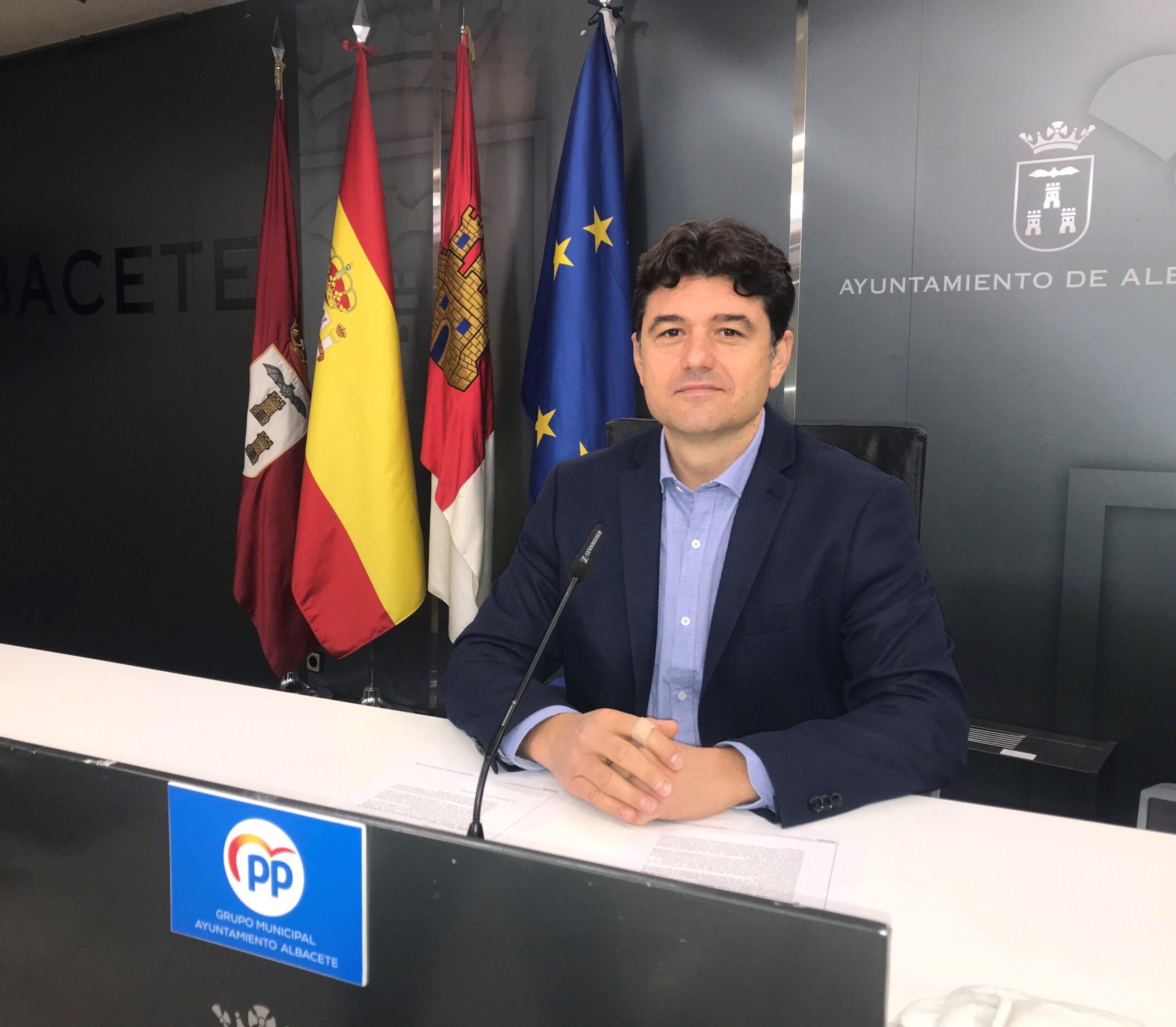 El Grupo Popular solicita al Ayuntamiento de Albacete la creación inmediata de un grupo de trabajo para modificar la actual ordenanza de terrazas con el fin de beneficiar a los hosteleros