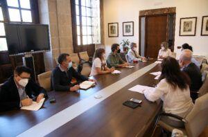 La Junta de Gobierno adjudica contratos de servicios y suministros por valor de dos millones de euros