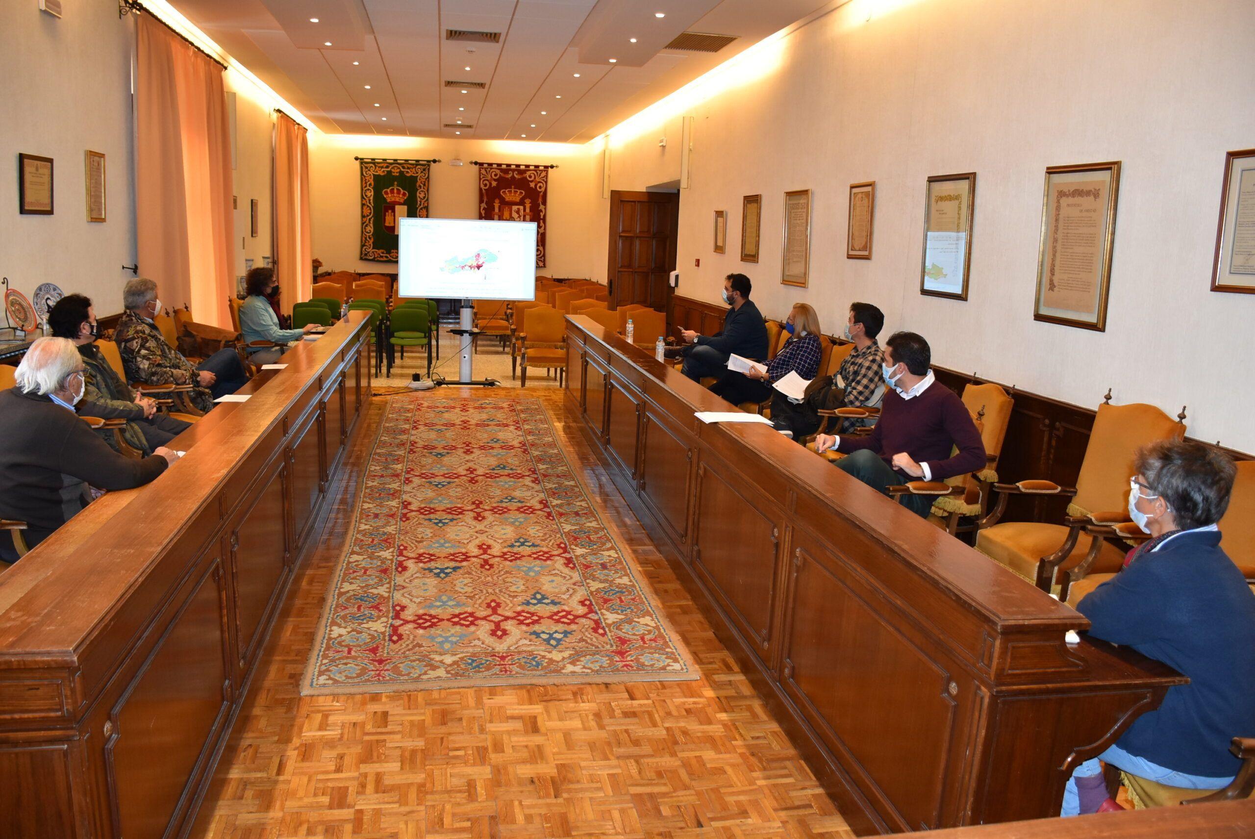 El equipo de Gobierno informa al resto de grupos municipales y colectivos ciudadanos de los avances en las alegaciones al Esquema de Temas Importantes del Tajo