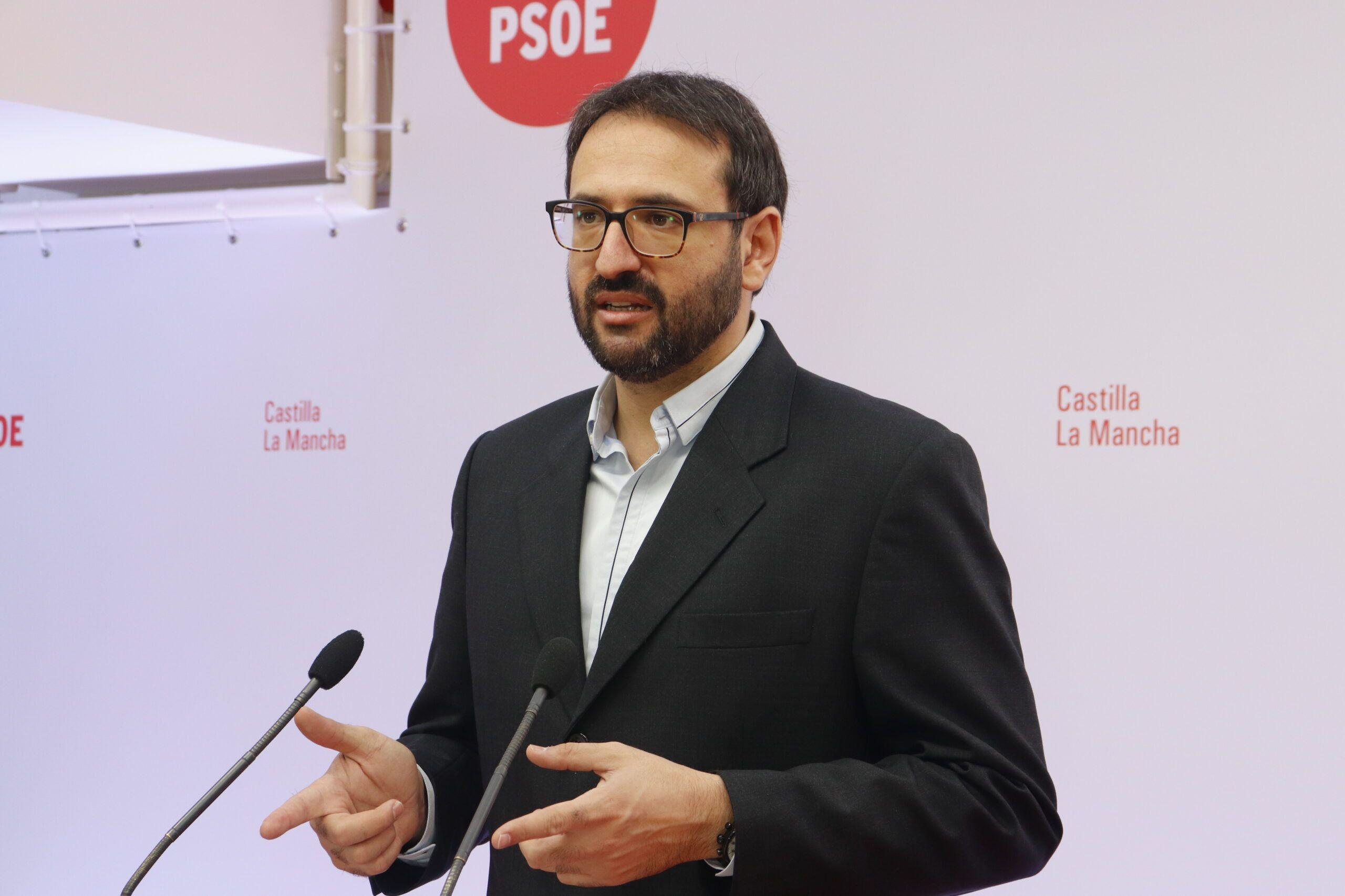 """Gutiérrez recalca el compromiso socialista con los hosteleros y critica la falta de """"credibilidad"""" del PP"""