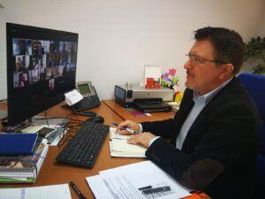 El Ayuntamiento y la UCLM impulsan la Escuela de Padres y Madres con sesiones online dirigidas a las AMPAS y familias