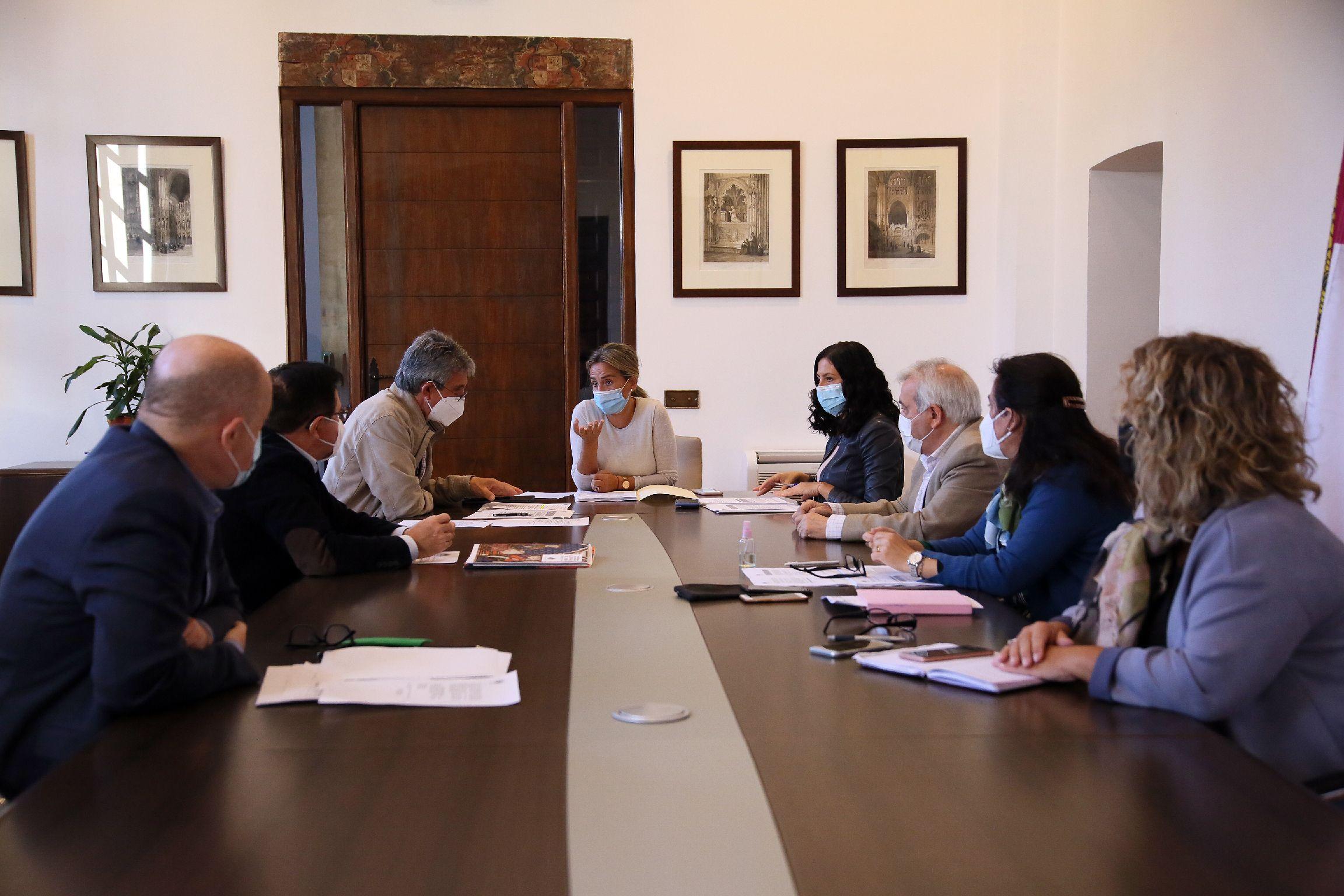 El Gobierno local aprueba el proyecto técnico para la rehabilitación de la torre y puerta oeste del Puente de Alcántara