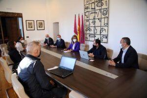 Ayuntamiento y UCLM conocen el proyecto de la compañía Ahí+ que pretende implantar un centro de I+D+i en Toledo
