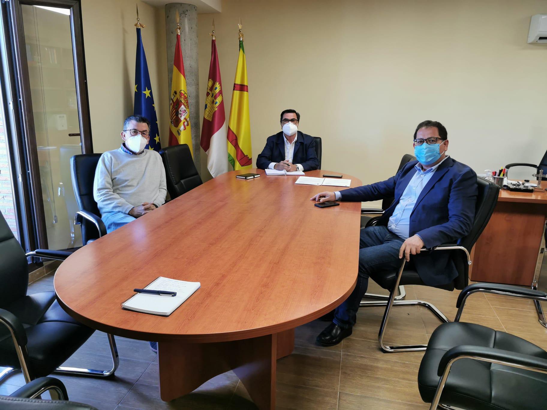 El Gobierno regional mantendrá un contacto fluido con el Ayuntamiento para facilitar la instalación de un Punto Limpio en Burguillos