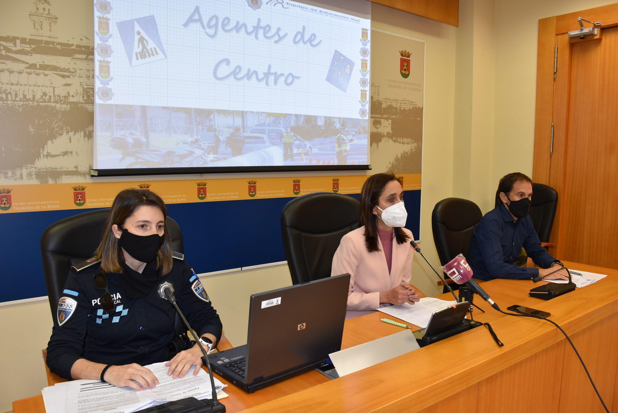 El Ayuntamiento y la Policía Local ponen en marcha los 'Agentes de Centro', acción que aspira a una regulación pacífica del tráfico y la creación de entornos escolares seguros