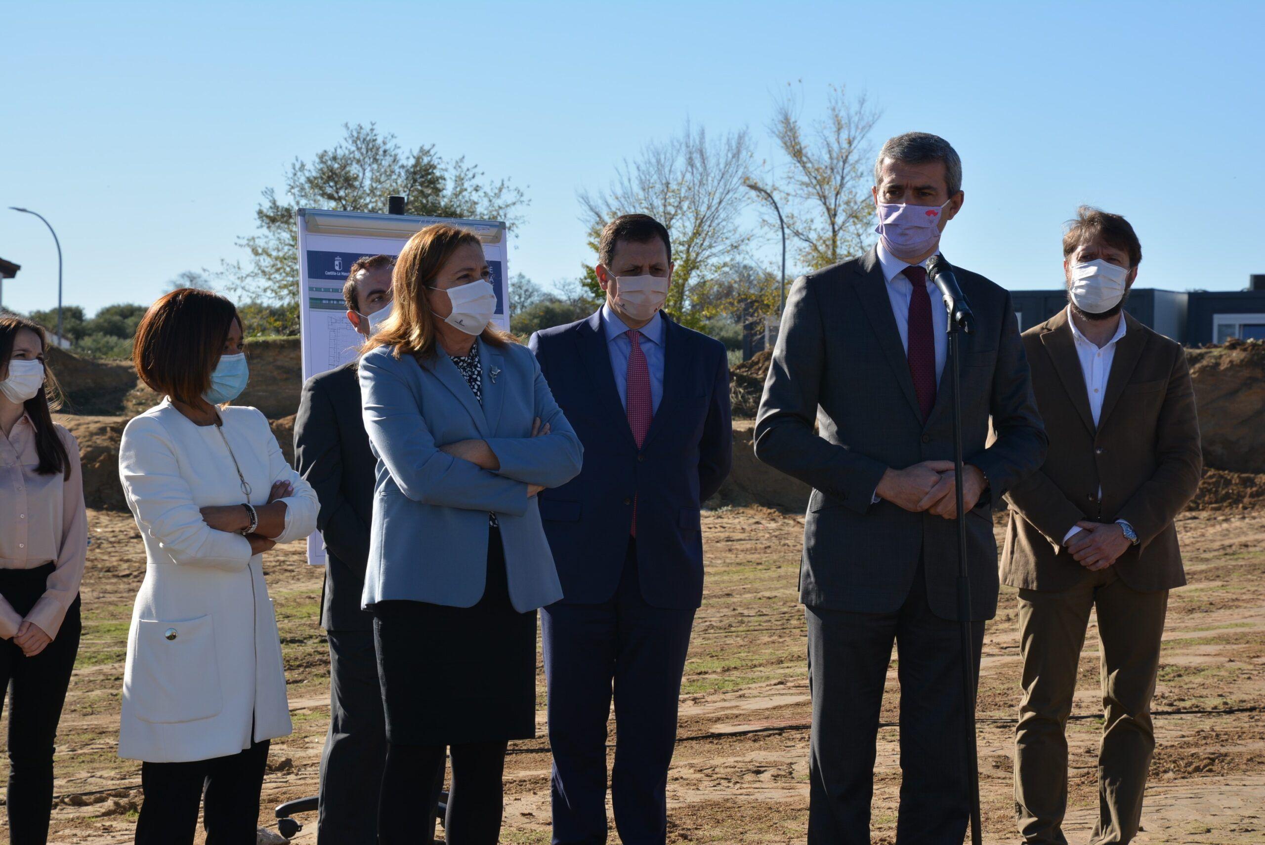 Álvaro Gutiérrez anuncia una nueva ayuda de casi 2 millones de euros para limpieza de colegios por la COVID -19