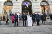 La Diputación de Toledo condena unida la violencia machista en un acto en las puertas de la institución