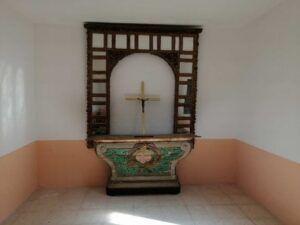 El Ayuntamiento mejora la capilla del cementerio municipal de Azucaica y los accesos a través del Plan de Empleo