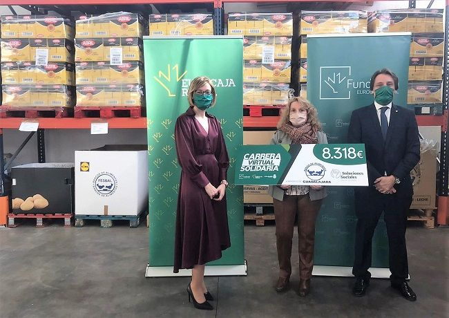 Fundación Eurocaja Rural entrega a Banco de Alimentos de Guadalajara más de 8.000 euros para paliar los efectos de la pandemia