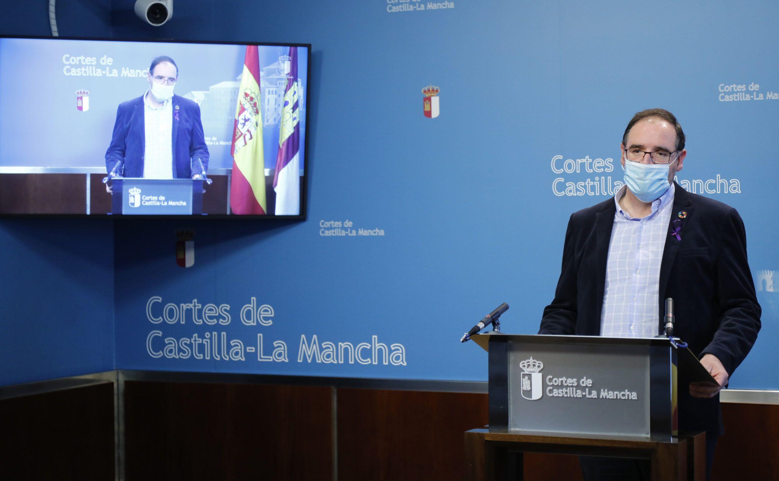"""Prieto asegura que es """"insuficiente"""" que solo se destine el 3 por ciento del presupuesto a Desarrollo Sostenible y pregunta a Page para qué creó esta consejería"""