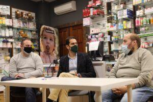 """Comendador conoce en Talavera la iniciativa Comercyas y anima a que """"cunda el ejemplo"""" en la provincia de Toledo para fomentar el consumo en negocios locales"""