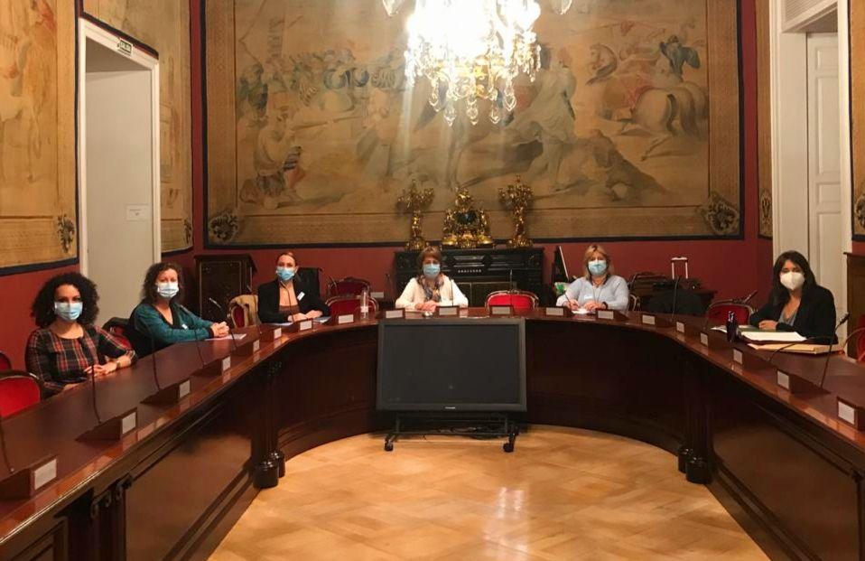 Vilches y Roldán reiteran el compromiso del PSOE y del Gobierno en materia de igualdad laboral durante una reunión con la 'Plataforma de Mujeres Policías y Militares para la Visibilización'