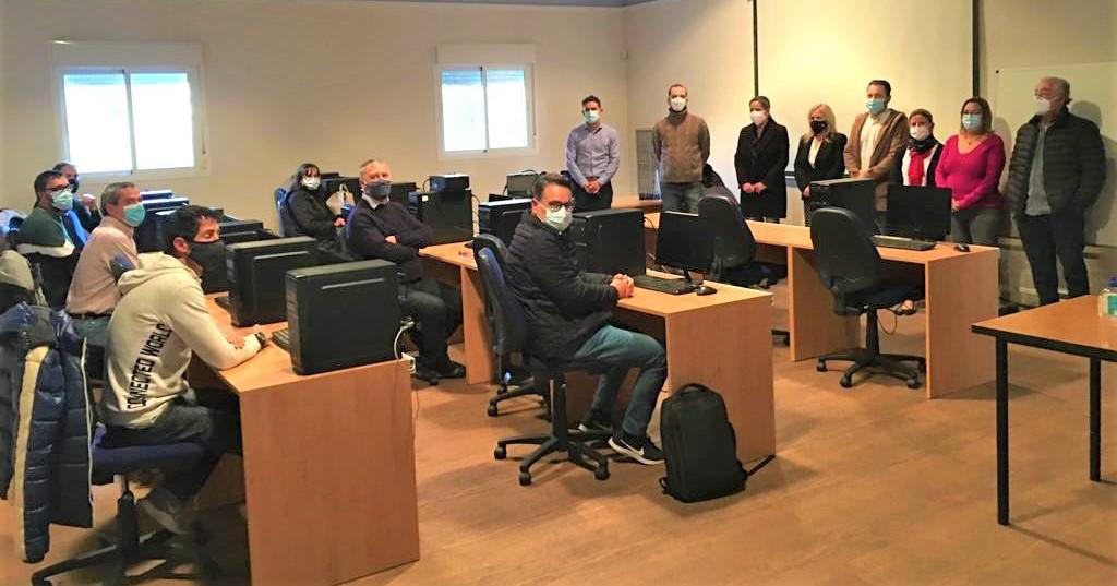 El ayuntamiento de El Casar y la Consejería de Empleo ponen en marcha un taller de reciclaje personal en instalaciones electrotécnicas y telecomunicaciones