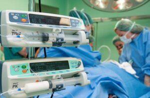El Hospital de Guadalajara participa en un estudio que relaciona los protocolos de recuperación acelerada con una mayor supervivencia a medio y largo plazo tras una cirugía por cáncer colorrectal