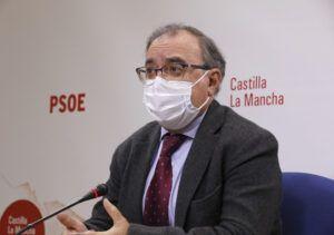 Mora denuncia los cambios de criterio del PP de CLM, que hace un año apoyó la armonización fiscal