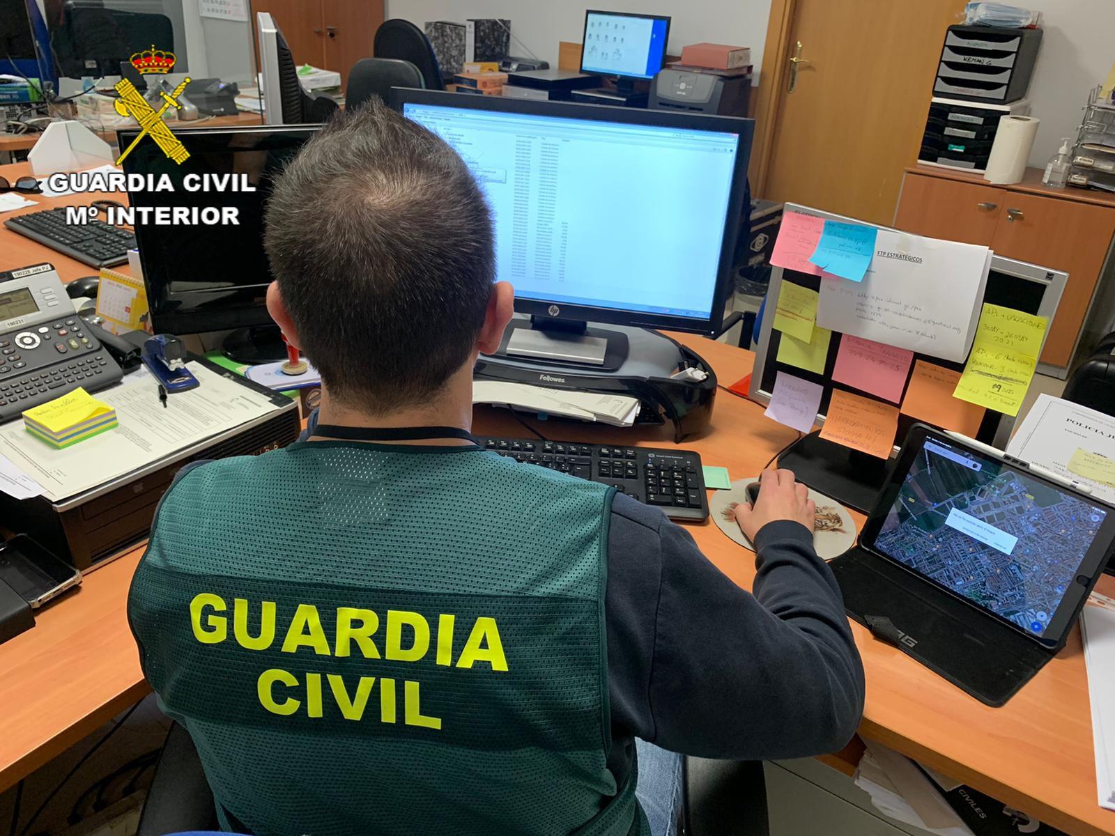 La Guardia Civil ha detenido a 1 persona por usurpación de estado civil, estafa y hurto