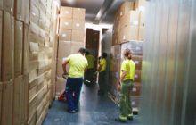 El Gobierno de Castilla-La Mancha continúa distribuyendo artículos de protección a los centros sanitarios, con otros 154.000 esta semana