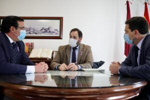 Núñez insta a Page a actuar para evitar que ERC decida qué impuestos pagan los castellano-manchegos