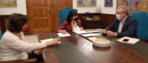"""El Ayuntamiento de Talavera reitera su compromiso con Cruz Roja para """"unir fuerzas"""" en pro de aliviar los efectos de la pandemia entre las familias más vulnerables"""