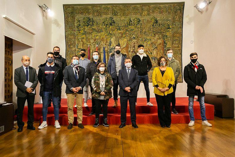 El Gobierno de Castilla-La Mancha aprueba el Bono Joven con ayudas de hasta 12.000 euros para la contratación de jóvenes en el mercado laboral