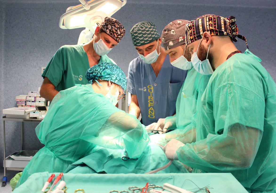 La Gerencia de Atención Integrada de Albacete forma a residentes y facultativos de Urología en extracción y trasplante renal